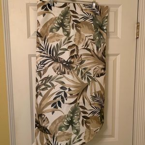 """Tropical tablecloth- 60"""" round"""